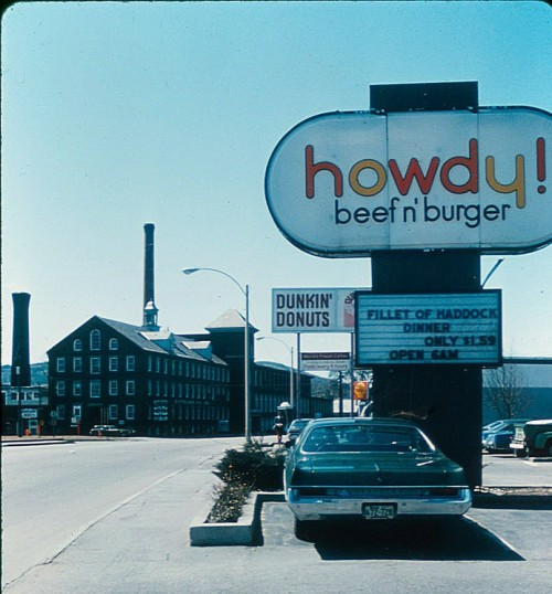 "Large sign saying ""howdy!"""