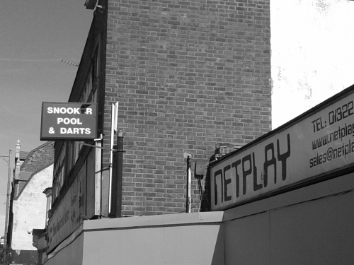 Snooker hall sign and Netplay sign in Dartford